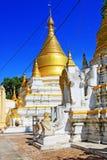 玛哈Aungmye Bonzan修道院的, Innwa,缅甸塔 库存图片