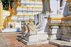 玛哈Aungmye Bonzan修道院的, Innwa,缅甸塔 免版税库存照片