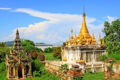 玛哈Aungmye Bonzan修道院的, Innwa,缅甸塔 库存照片