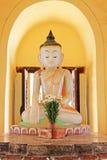 玛哈Aungmye Bonzan修道院菩萨图象, Innwa,缅甸 库存照片