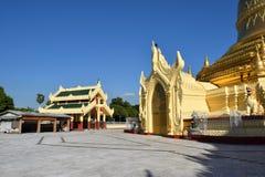 玛哈Wizaya塔在仰光,缅甸 库存图片
