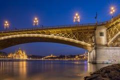 玛格丽特桥梁在布达佩斯,匈牙利 免版税库存照片