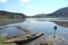 玛纳斯Bal湖在斯利那加。 免版税图库摄影