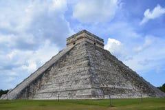 玛雅人的金字塔 免版税库存图片