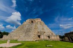 玛雅人金字塔在Chiken Itza 免版税图库摄影
