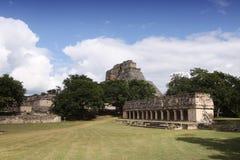 玛雅人uxmal墨西哥的寺庙 免版税图库摄影