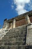 玛雅寺庙顶层  库存照片
