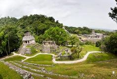 玛雅废墟在帕伦克,恰帕斯州,墨西哥 宫殿和观测所 免版税图库摄影