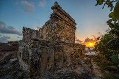 玛雅废墟在日出的坎昆墨西哥 图库摄影