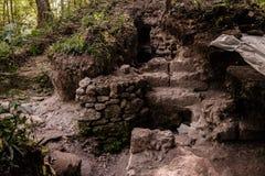 玛雅废墟的持续的挖掘 库存图片