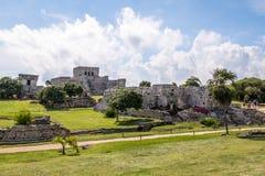 玛雅废墟- Tulum,墨西哥 免版税库存图片