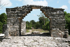 玛雅的曲拱 免版税库存图片