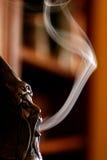 玩偶抽烟 库存照片