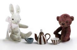 玩具兔子和熊 免版税库存图片