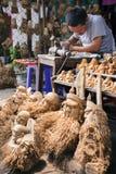 玩具和纪念品市场在会安市镇,越南 库存照片