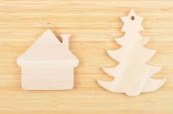玩具杉树和房子 库存图片