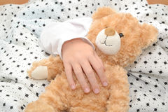 玩具熊睡眠 库存图片