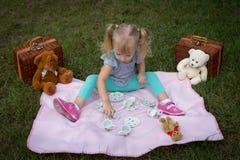 玩具熊野餐 图库摄影