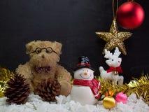 玩具熊,圣诞节装饰的构成 库存图片