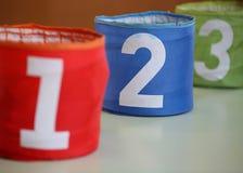 玩具的三个瓶子有第的一两三和数字tw 库存图片