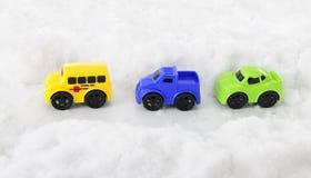 玩具车通过斯诺伊通行证 库存照片