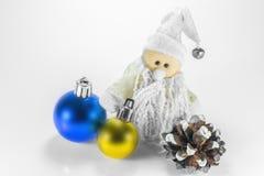 玩具雪人和圣诞节装饰 免版税库存图片