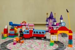 玩具颜色设计师,火车 库存图片