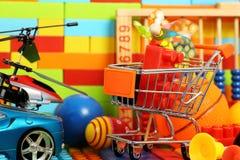 玩具购物 库存图片