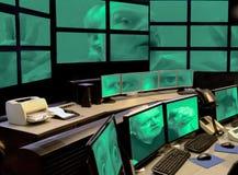 玩弄在保安系统的计算机黑客说笑话者把戏。 免版税库存照片