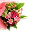 玫瑰和康乃馨美丽的花束。 免版税库存图片