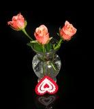 玫瑰和心脏从织品 免版税库存图片