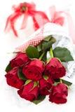 玫瑰和礼品 库存图片