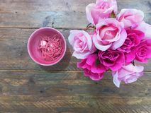 玫瑰和鞋带 免版税库存图片