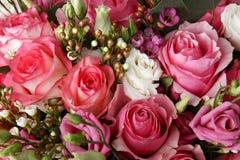 玫瑰巨大的花束  库存照片