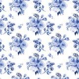 玫瑰开花在深蓝a的水彩无缝的样式 皇族释放例证