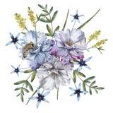 玫瑰的构成与野花和蜂的 背景查出的白色 免版税库存图片