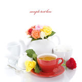玫瑰设置了茶 免版税库存照片