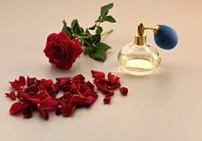 玫瑰,香水 库存照片