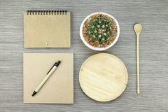 环境友好的概念 绿色生态环境办公室 包装纸 图库摄影