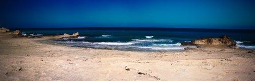 环境美化与沙子新的Soyeenat海滩,马特鲁港,埃及 图库摄影