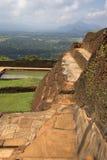 环境美化与王宫的废墟 锡吉里耶,斯里兰卡 免版税图库摄影