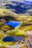 环境美化与Fagaras高地的一个冰河湖  图库摄影