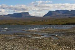环境美化与TornetrA¤skk湖和壮年谷Lapporten, N 免版税库存照片
