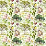 环境:鸟、兔子、树、叶子、花和草 模式重复 水彩 免版税图库摄影