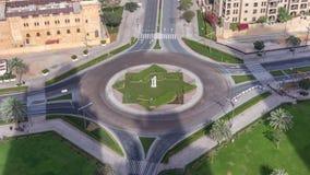 环形交通枢纽圈子路的鸟瞰图在从timelapse上的迪拜街市 r 影视素材