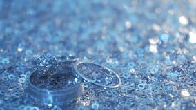 环形玫瑰色婚礼 首饰和圆环 免版税图库摄影