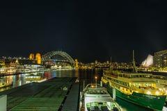 环形码头悉尼澳大利亚在晚上 免版税库存图片
