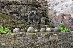 环形轧材石头和球状石头 图库摄影