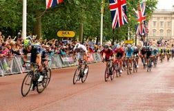 环法自行车赛在伦敦,英国 免版税库存照片