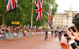 环法自行车赛在伦敦,英国 库存照片